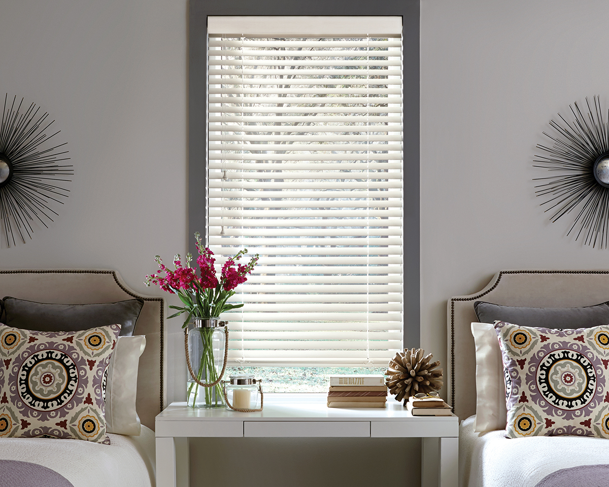 Park Scenic Wood Blinds in Bedroom