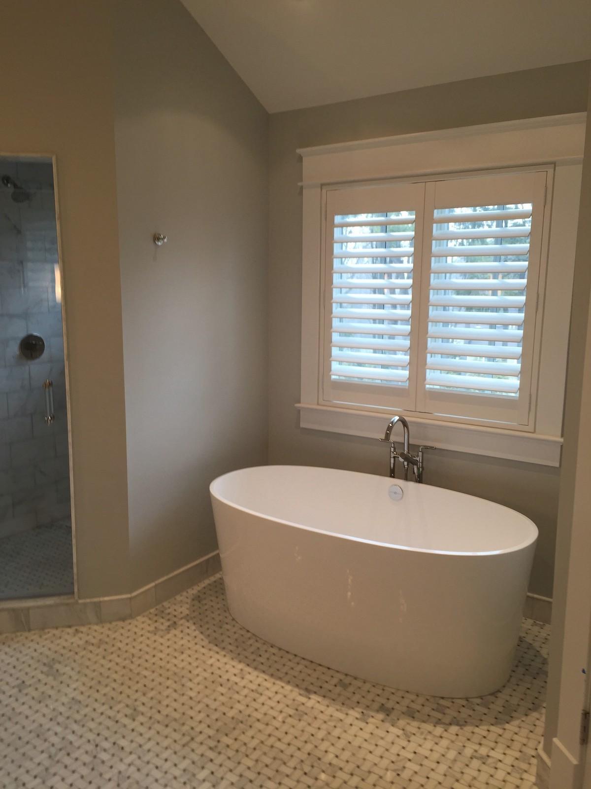 Hunter-Douglas-Palm-Beach-Shutters-Tub-by-Breslow-Home-Design-Center