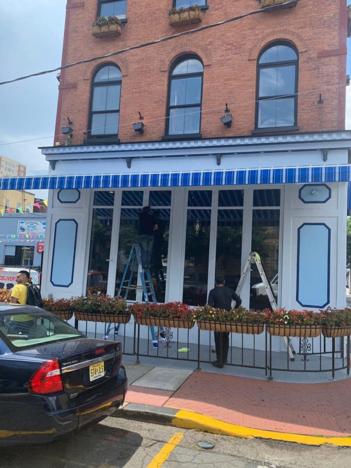 Alutex Madera awning – open direct front – Zona Libre restaurant – Union City NJ - Breslow Home Design Center