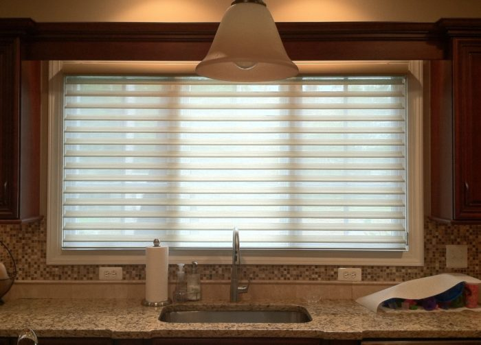 Silhouette in Kitchen - Closed - Vanes Open - Short Hills, NJ - Breslow Home Design Center