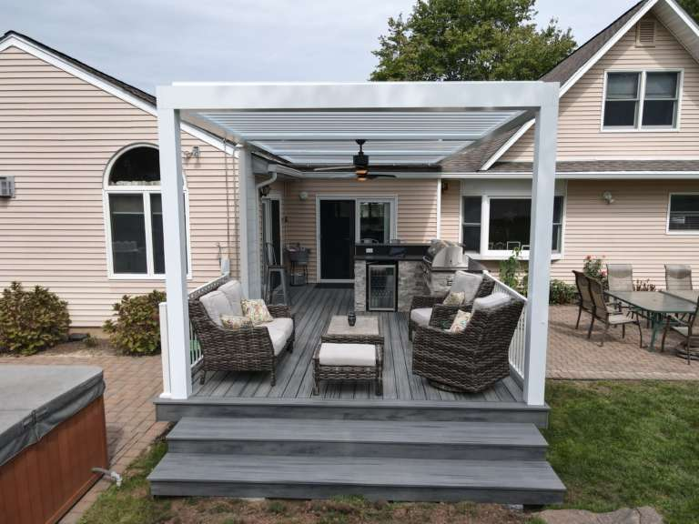 Louvered roof on patio
